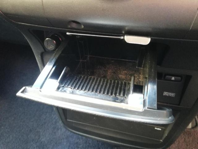 GエアロHDDナビスペシャルパッケージ 後期型・純正HDDナビ・ワンオーナー・8人乗り・ETC・フリップダウンモニター・バックカメラ・両側電動スライドドア・フォグランプ・DVD再生・ステアリングリモコン・電格ウィンカーミラー・HIDライト(31枚目)