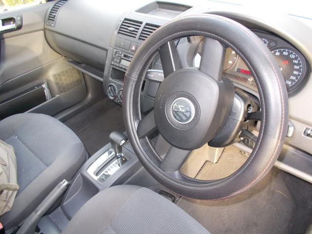 フォルクスワーゲン VW ポロ ベースグレード スタッドレスタイヤ4本付き ユーザー下取り車