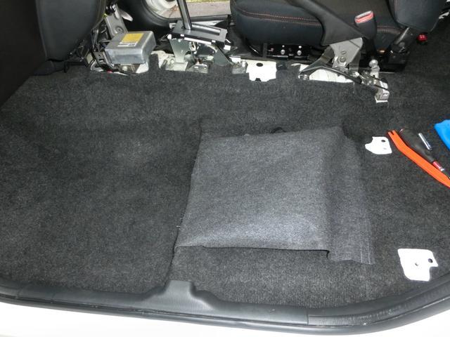 内装もシートを含め、マット、カーペットとも綺麗な状態です(^^)