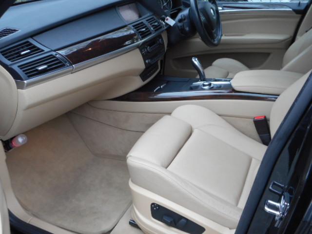 BMW BMW X5 3.0si Mスポーツパッケージ 社外スポイラー Bカメラ