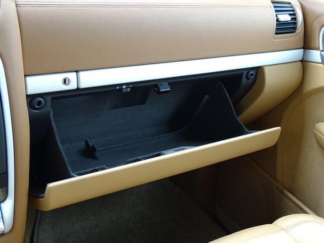 「ポルシェ」「ポルシェ カイエン」「SUV・クロカン」「兵庫県」の中古車35