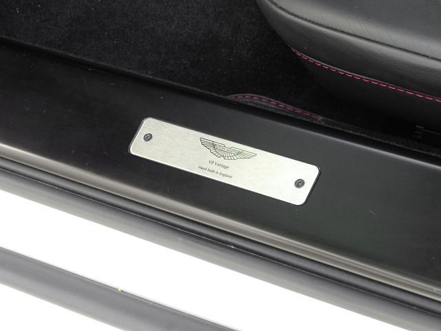 「アストンマーティン」「アストンマーティン V8ヴァンテージ」「クーペ」「兵庫県」の中古車43
