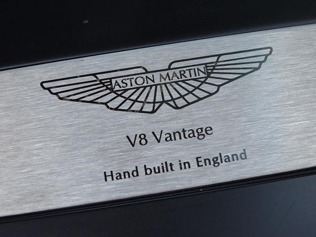 「アストンマーティン」「アストンマーティン V8ヴァンテージ」「クーペ」「兵庫県」の中古車44