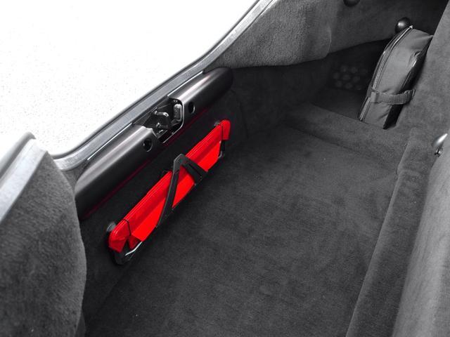 「アストンマーティン」「アストンマーティン V8ヴァンテージ」「クーペ」「兵庫県」の中古車68