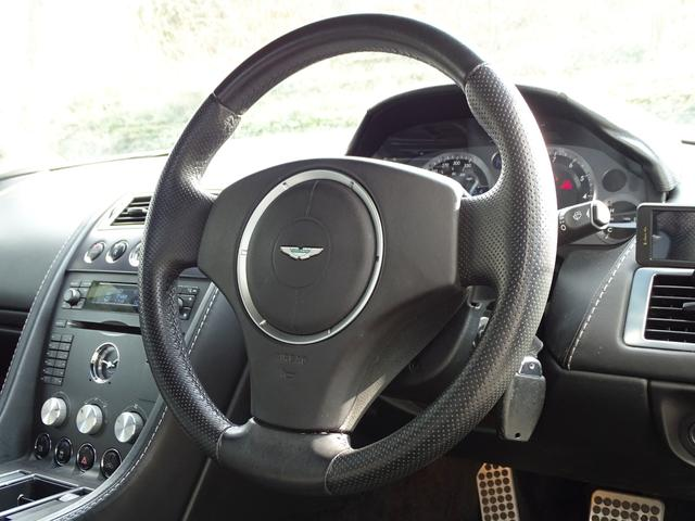 「アストンマーティン」「アストンマーティン V8ヴァンテージ」「クーペ」「兵庫県」の中古車16