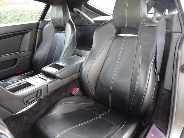 「アストンマーティン」「アストンマーティン V8ヴァンテージ」「クーペ」「兵庫県」の中古車33