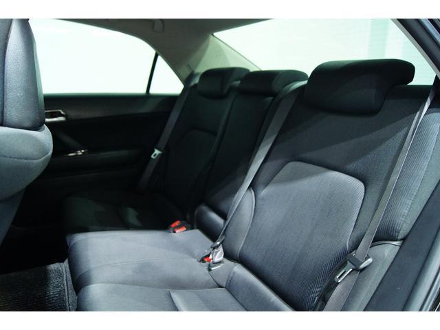 後部座席も使用感少なく非常に良いコンデッションです!