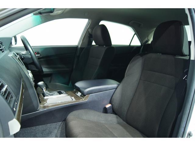 室内もワンオーナー車両とゆうこともあり非常に綺麗に乗られております。