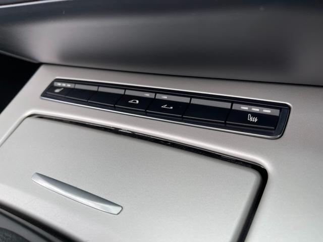 sDrive23i ハイラインパッケージ ユーザー買取車 ハイラインPKG 黒レザーシート シートヒーター Pシート HID 純正ナビ Bカメラ ETC 電動オープン 禁煙車(31枚目)