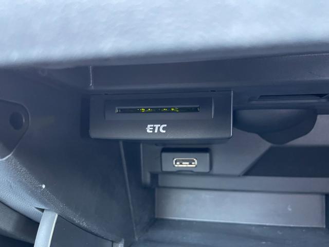 1.4TFSI ユーザー買取車 正規ディーラー車 キーレス プッシュスタート 純正HDDナビ ETC キセノンライト(27枚目)