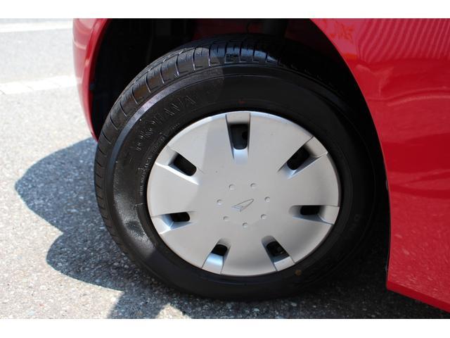 残り溝・コンディションも良好です!当店ではお客様の安全を第一に考え、磨り減ったりひび割れたりした危険なタイヤでの販売は致しません。