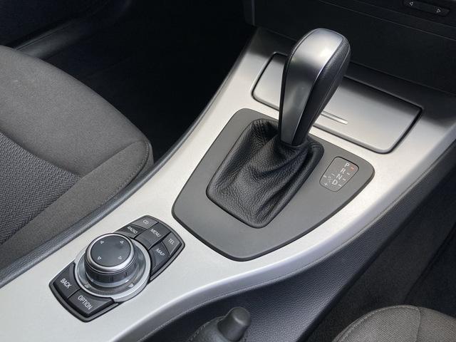 320iツーリング ・ワンオーナー車・純正HDDナビ・バックカメラ・スマートキー・ルームミラー一体型ETC・HIDヘッドライト・純正16インチAW(11枚目)