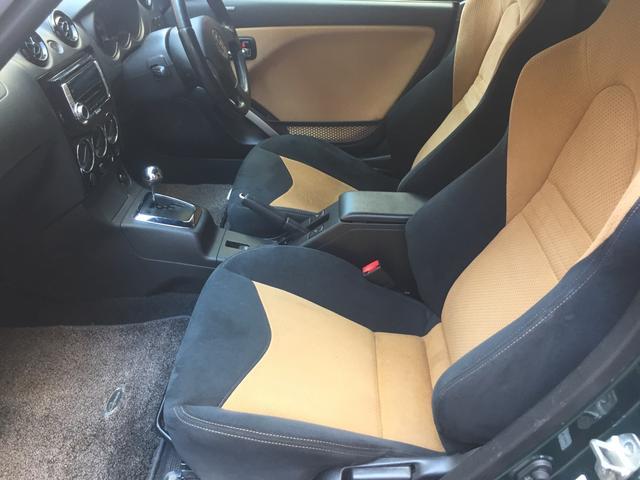 レカロ(アルカンターラ使用)シートは、座り心地も良く、適度なホールド感のあるフロントシートです!!