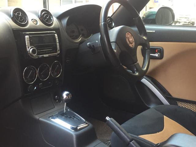 内装パネルも綺麗で、前オーナー様が大切に使用されてたのが伝わってくる車両です!!