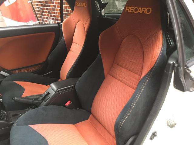 高級感あるRECARO純正シートは、もちろん助手席にも採用されておりますので、同乗者様にも快適なドライブ体感していただけます!