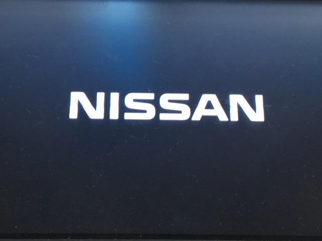 250XL 禁煙車 メーカーHDDナビ 前席パワーシート 助手席パワーオットマン インテリジェントキー バック&サイドカメラ ETC(3枚目)