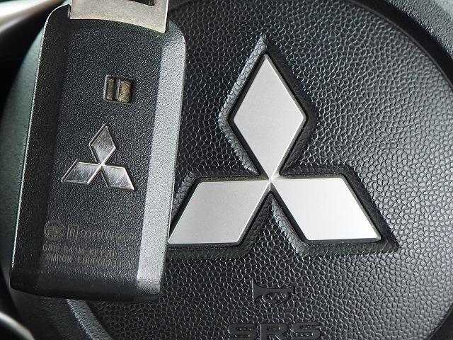 GSRエボリューションX ・4WD・車高調ローダウン・SSR18インチAW・ブレンボキャリパー・2本出しマフラー・ケンウッドナビ・バックカメラ・Bluetooth接続・パドルシフト・黒ハーフレザー・スマートキー・HID(12枚目)