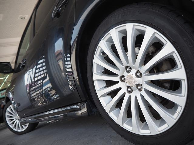 2.5GT Sパッケージ 4WD 禁煙車 純正HDDナビ 黒半革シート バックカメラ パドルシフト HIDヘッド 純正18AW ETC(10枚目)
