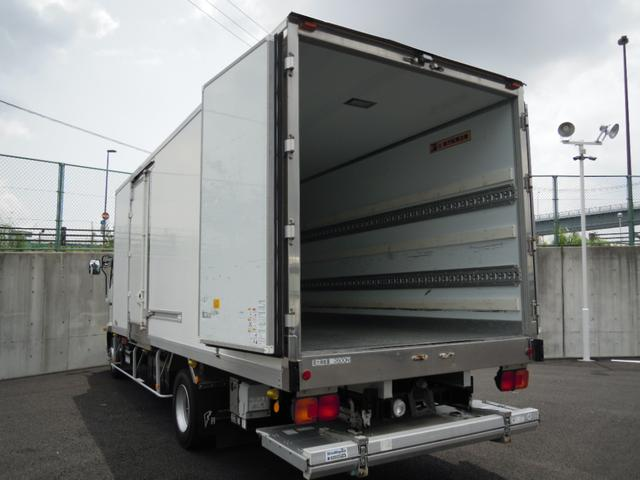 2.6t積冷蔵冷凍車・格納ゲート・スタンバイ付・-32℃設定(4枚目)