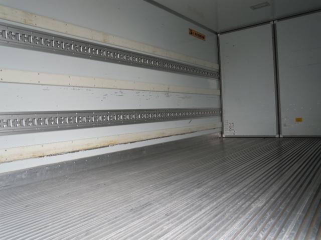 2.6t積冷蔵冷凍車・格納ゲート・スタンバイ付・-32℃設定(13枚目)