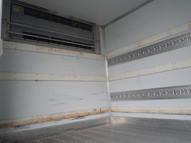 2.6t積冷蔵冷凍車・格納ゲート・スタンバイ付・-32℃設定(14枚目)