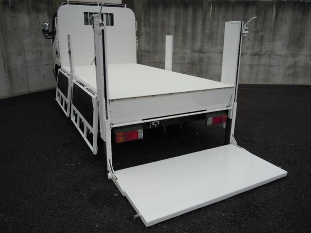 3t積600kgパワーゲート付平ボディ 全低床車(4枚目)