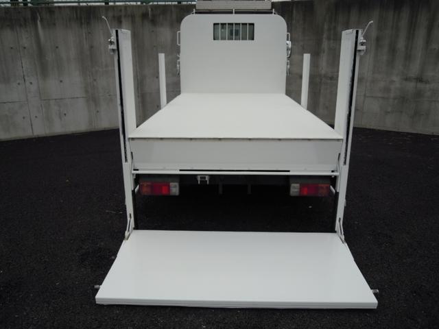 3t積600kgパワーゲート付平ボディ 全低床車(9枚目)