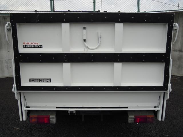 3t積600kgパワーゲート付平ボディ 全低床車(12枚目)