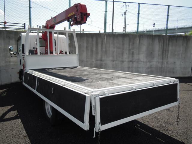 2.6t吊3段クレーン付平ボディ 高床車(4枚目)