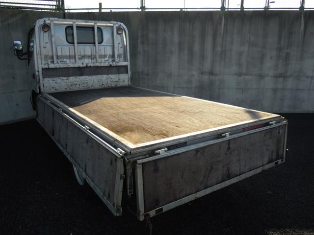 4WD 3t積み 10尺平ボディ 全低床(11枚目)
