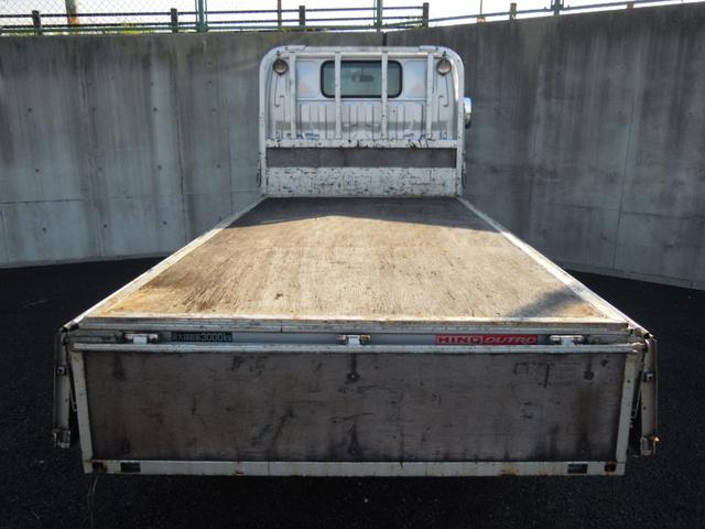 4WD 3t積み 10尺平ボディ 全低床(12枚目)