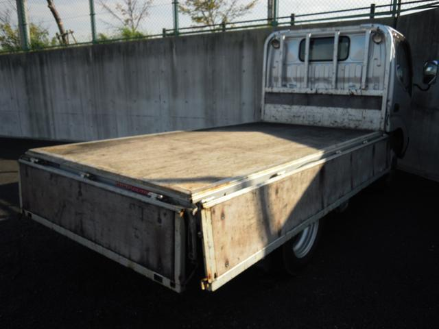 4WD 3t積み 10尺平ボディ 全低床(13枚目)