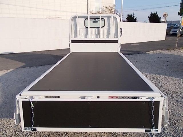 新型モデル・2t積10尺・6MT・平ボディ・5t未満・全低床(12枚目)