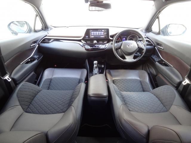 「トヨタ」「C-HR」「SUV・クロカン」「大阪府」の中古車3