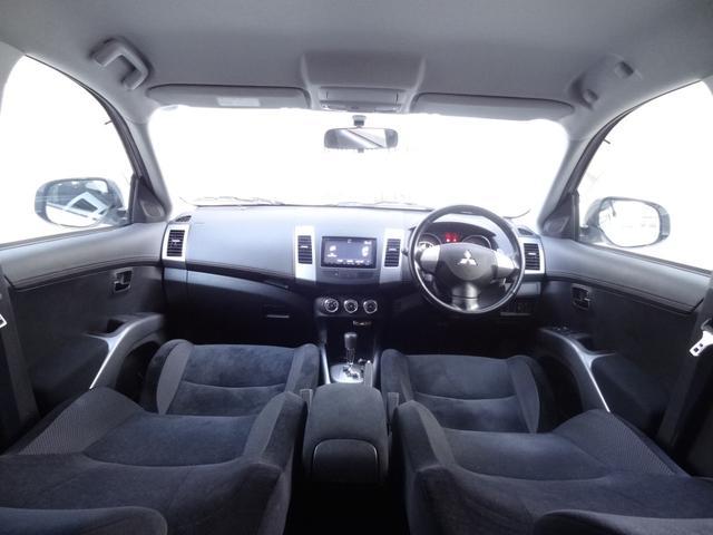 24G 4WD 3列シート SDナビ バックカメラ パドルシフト ETC HID オートライト フロントフォグ 革巻きハンドル Bluetooth USB接続端子(3枚目)