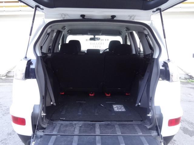 24G 4WD 3列シート SDナビ バックカメラ パドルシフト ETC HID オートライト フロントフォグ 革巻きハンドル Bluetooth USB接続端子(12枚目)