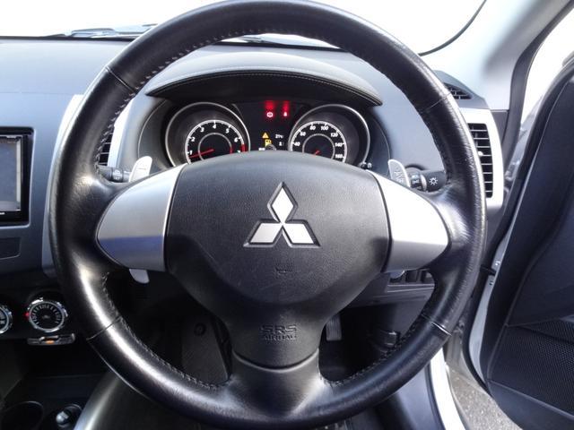 24G 4WD 3列シート SDナビ バックカメラ パドルシフト ETC HID オートライト フロントフォグ 革巻きハンドル Bluetooth USB接続端子(14枚目)