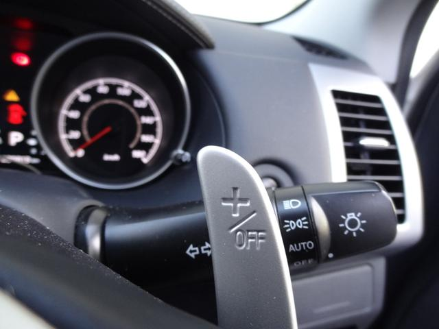 24G 4WD 3列シート SDナビ バックカメラ パドルシフト ETC HID オートライト フロントフォグ 革巻きハンドル Bluetooth USB接続端子(15枚目)