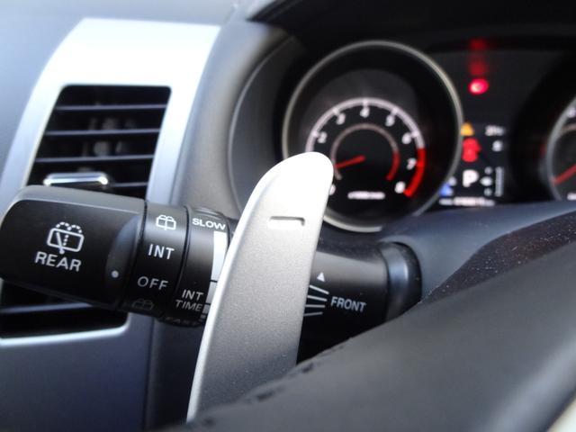 24G 4WD 3列シート SDナビ バックカメラ パドルシフト ETC HID オートライト フロントフォグ 革巻きハンドル Bluetooth USB接続端子(17枚目)