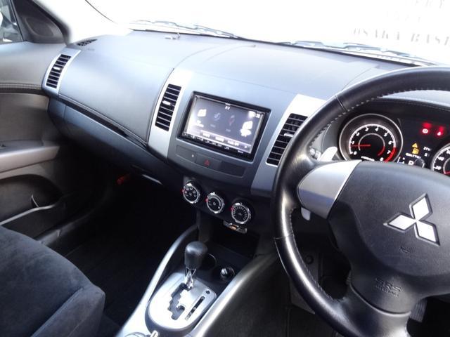 24G 4WD 3列シート SDナビ バックカメラ パドルシフト ETC HID オートライト フロントフォグ 革巻きハンドル Bluetooth USB接続端子(18枚目)