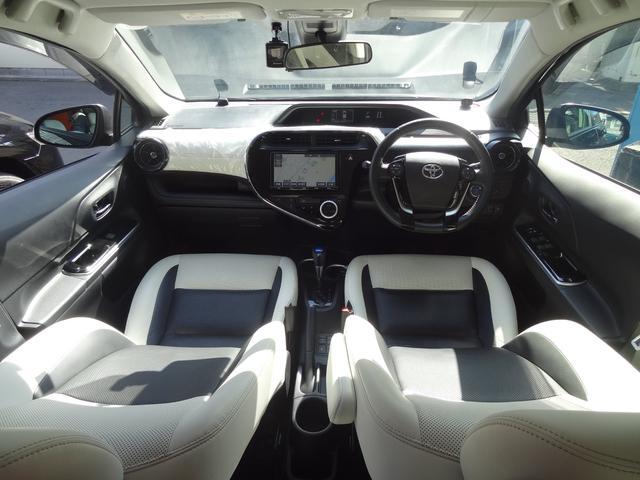 クロスオーバー セーフティセンスC 合皮レザーシート シートヒーター LEDヘッドライト LEDフォグ 純正9インチナビ バックカメラ フルセグTV スマートキー プッシュスタート 革巻きハンドル ETC2.0(3枚目)