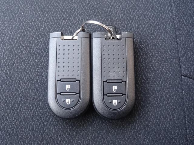 シルク Gパッケージ SAIII スマートアシスト3 コーナーセンサー スマートキー プッシュスタート LEDヘッドライト オートライト 純正アルミホイール フロントフォグ(17枚目)