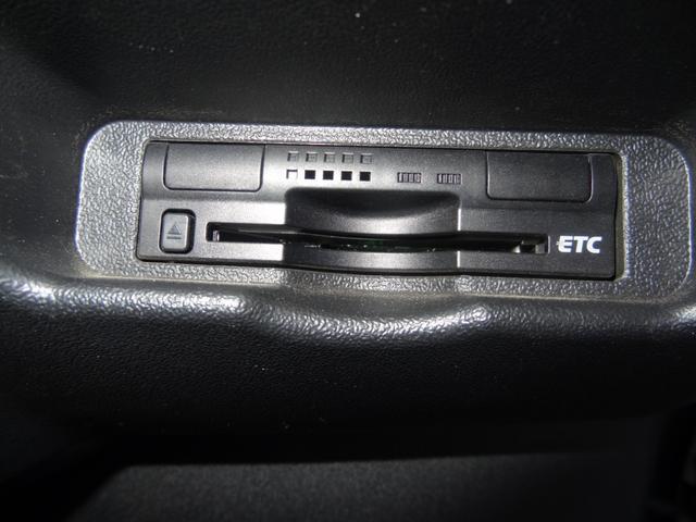 GL 純正SDナビ ビルトインETC バックカメラ Bluetooth フロントフォグライト オートライト 100V電源(16枚目)
