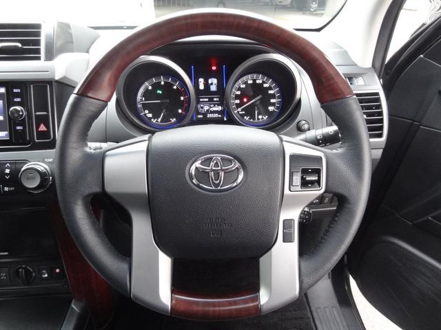 TZ-G レーダークルコン サンルーフ 4WD フリップダウンモニター 革シート Pシート 衝突軽減 シートヒーター コーナーセンサー スマートキー Pスタート 純正AW 純正SDナビ フルセグ ETC LED(8枚目)