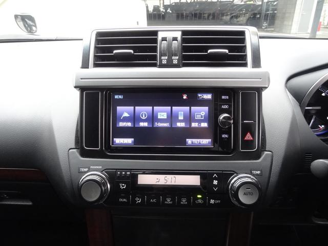 TZ-G レーダークルコン サンルーフ 4WD フリップダウンモニター 革シート Pシート 衝突軽減 シートヒーター コーナーセンサー スマートキー Pスタート 純正AW 純正SDナビ フルセグ ETC LED(9枚目)