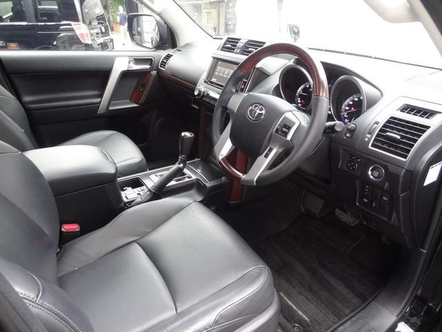 TZ-G レーダークルコン サンルーフ 4WD フリップダウンモニター 革シート Pシート 衝突軽減 シートヒーター コーナーセンサー スマートキー Pスタート 純正AW 純正SDナビ フルセグ ETC LED(18枚目)