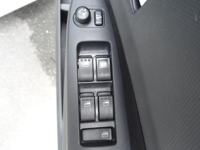 カスタム RS ターボ HIDヘッドライト 革巻きMOMOハンドル ETC スマートキー プッシュスタート オートライト 純正アルミホイール フロントフォグ(14枚目)
