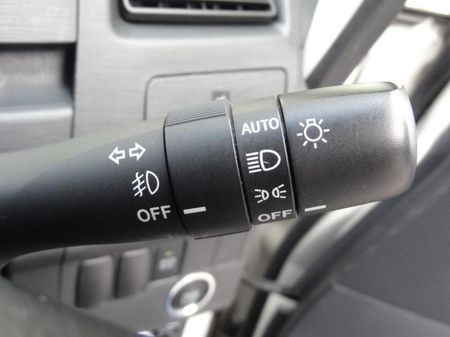カスタム RS ターボ HIDヘッドライト 革巻きMOMOハンドル ETC スマートキー プッシュスタート オートライト 純正アルミホイール フロントフォグ(19枚目)