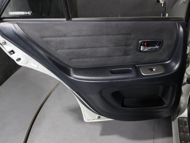 RS200 Lエディション TRDショック サスペンション 純正17インチアルミ TRDマフラー HID ETC 禁煙車(32枚目)