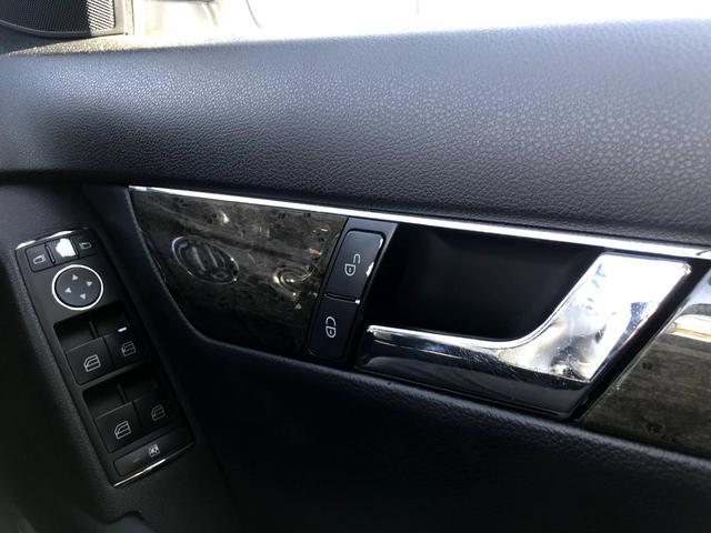 C200コンプレッサー アバンギャルド 正規ディーラー車 修復歴なし 黒革電動シート ETC 17インチアルミホイール HIDヘッドライト 盗難防止装置 CD(30枚目)